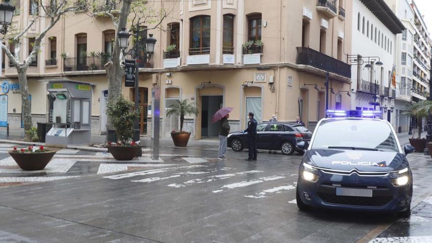 La policía de Gandia impone más de diez multas por incumplir el confinamiento