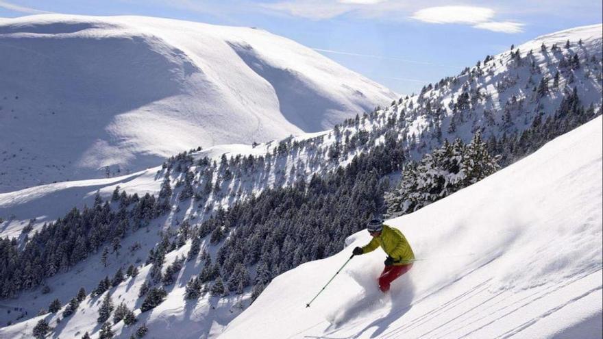 L'Oficina Jove de l'Alt Empordà obre les inscripcions de l'esquiada a La Molina