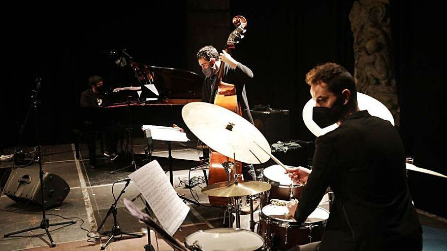 """""""Pablo Sanmamed trío"""" presentan su nuevo disco de jazz en el Centro de Cultura Antiguo Instituto de Gijón"""