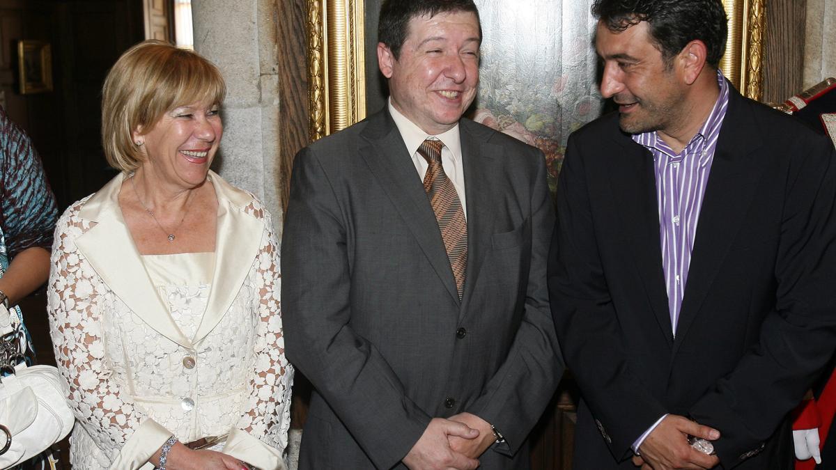 Abelairas con Carlos López Font y Santiago Domínguez Olveira en 2007. Rafa Estévez.jpg