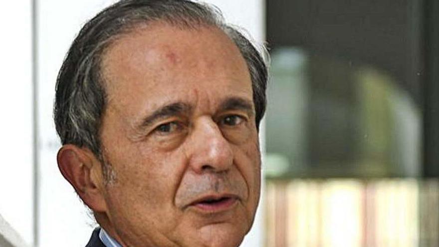 Antonio Abril, hombre fuerte de Ortega, deja Inditex tras 32 años como secretario general