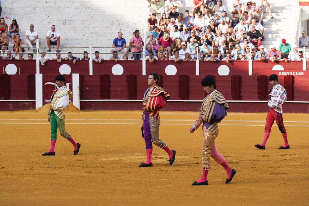 En la última cita taurina de esta feria en la plaza de toros de La Malagueta, se lidiaron toros de Gabriel Rojas. El cartel lo formaron Santana Claros, Juan Carlos Benítez y Miguel Aguilar.