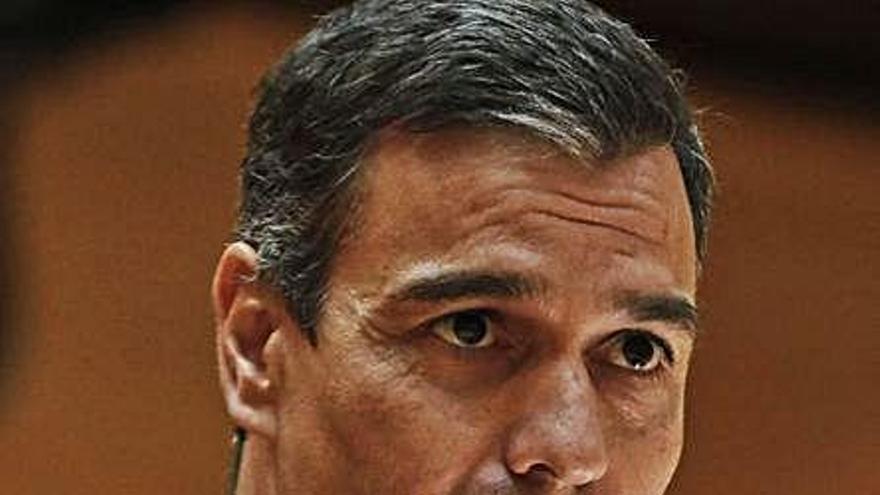 Sánchez contradice al vicepresidente y defiende unas cuentas sin vetos