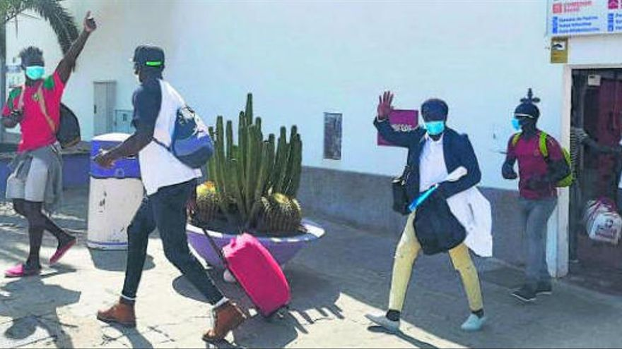 Fuerteventura rechaza que se aloje a inmigrantes en hoteles