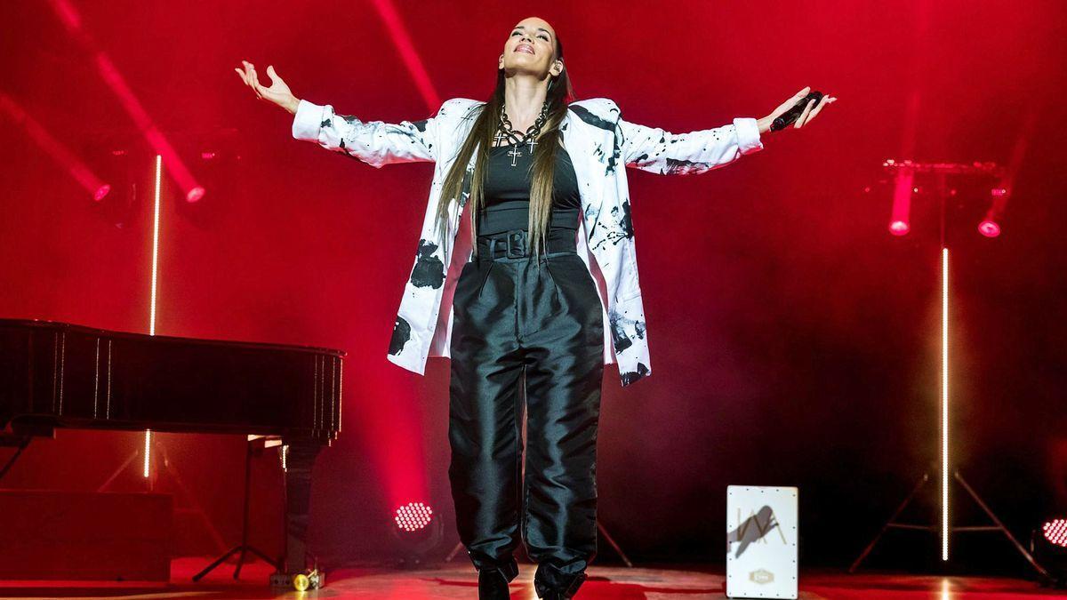 La artista, en un concierto reciente en Valencia.