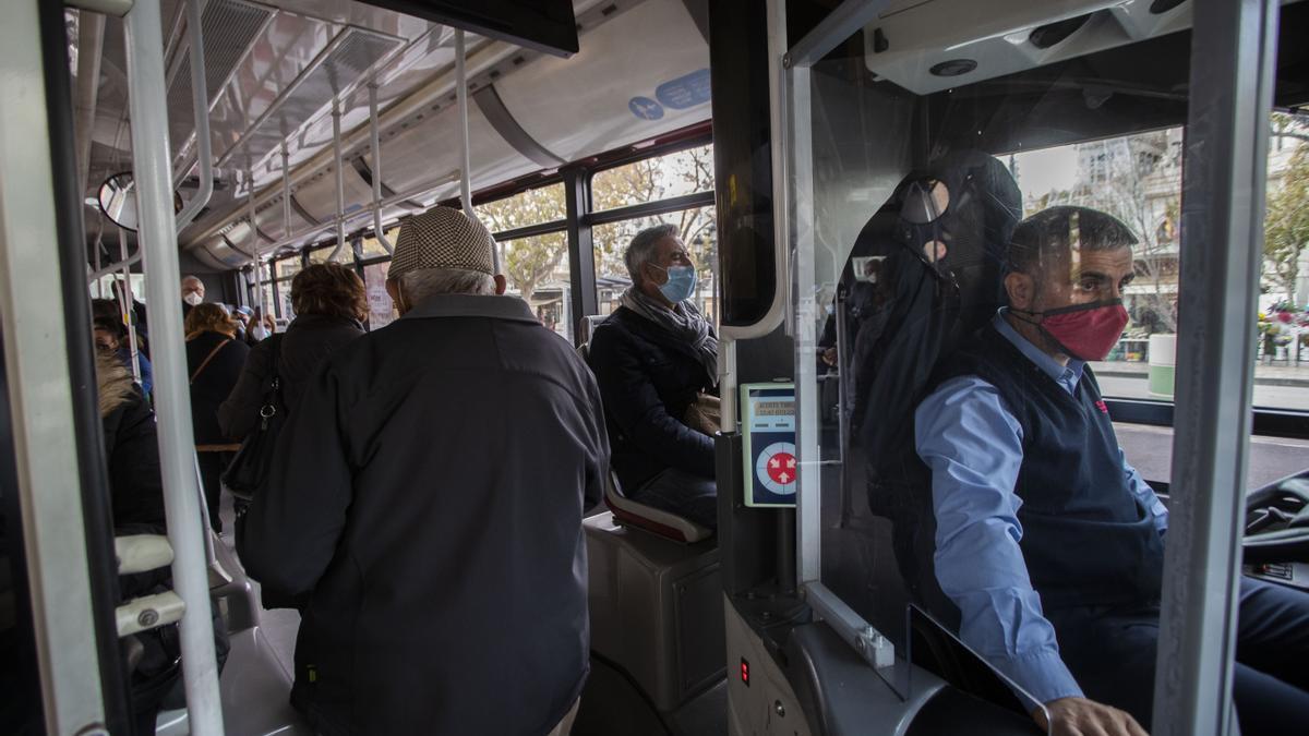 Los conductores de la EMT ayudarán a las víctimas de la violencia de género.