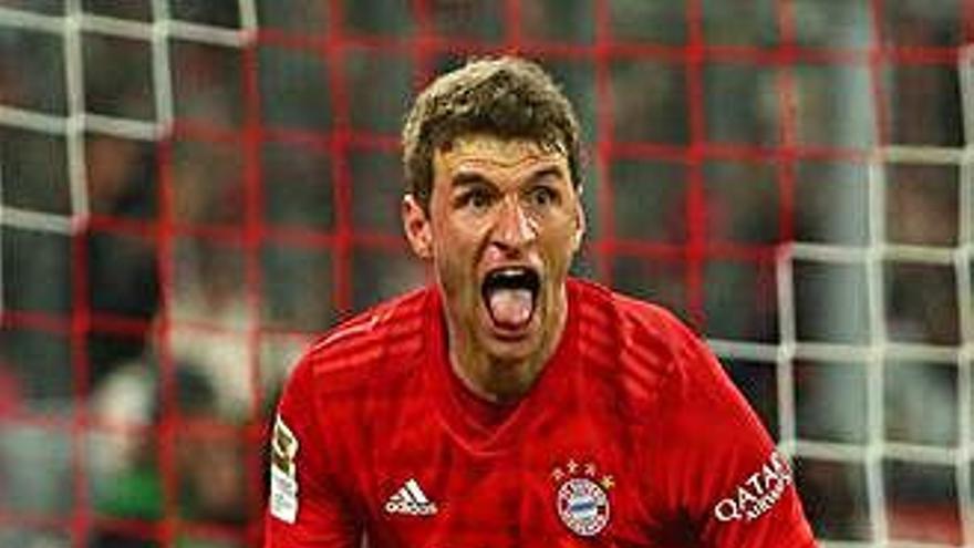 El líder Leipzig pateix una clara derrota contra l'Eintracht i el Bayern de Munic fa una maneta