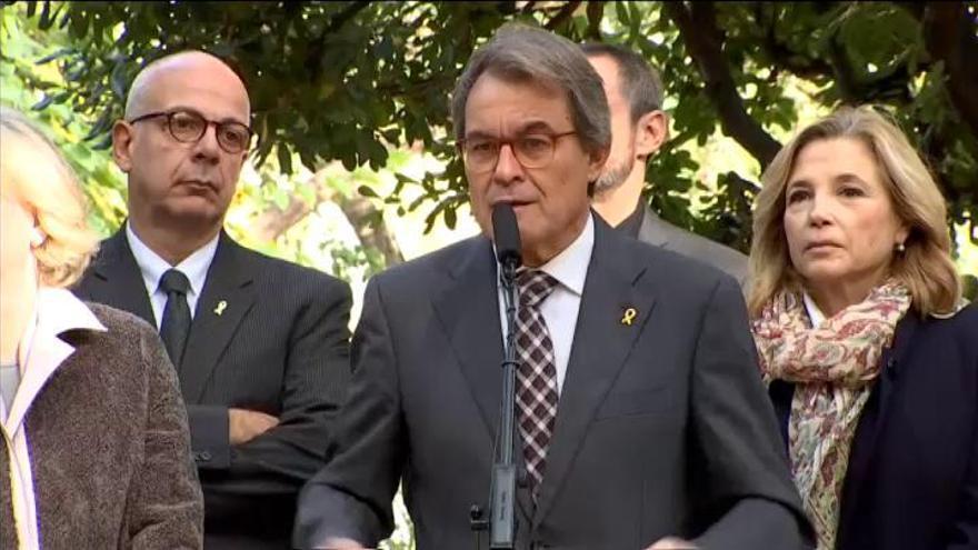 """Artur Mas promete """"no desfallecer"""" pese al """"intento de destrucción personal"""""""