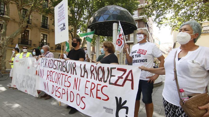 Continúan las concentraciones de los trabajadores de Emergia afectados por el ERE