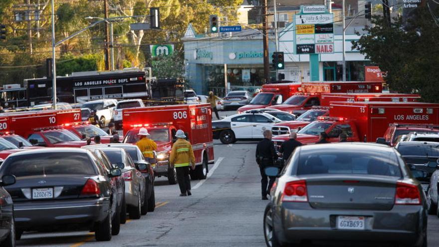 Una mujer muere en una toma de rehenes en Los Ángeles