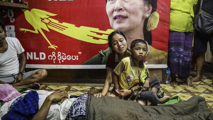 Birmania supera los 800 muertos por la represión de la junta militar