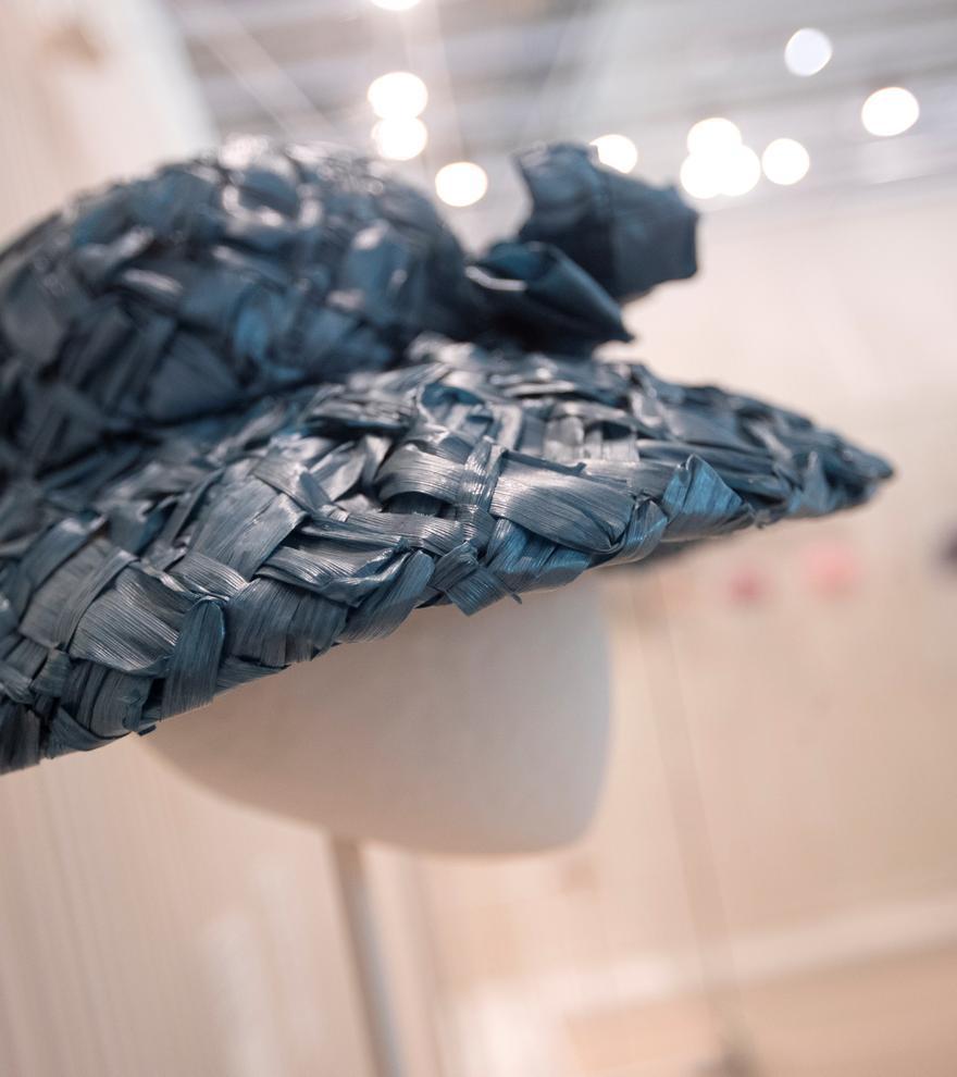 'Balenciaga. La elegancia del sombrero', una exposición para realzar los tocados únicos de la marca