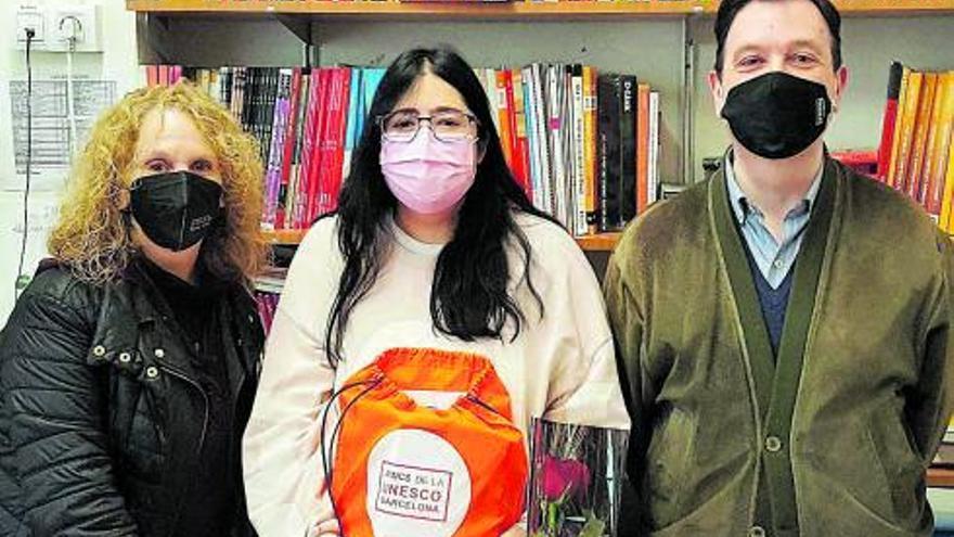 Una alumna del Lacetània guanya el certamen literari en llengües d'origen dels Amics de la Unesco
