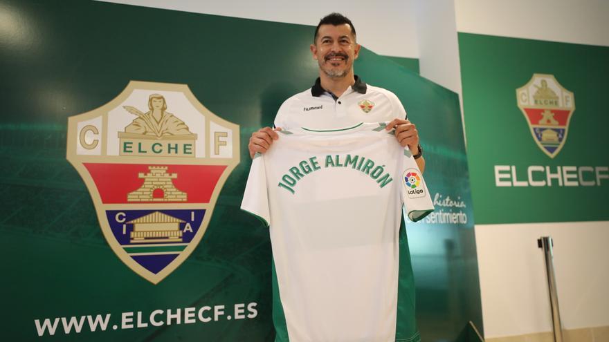 Jorge Almirón ya tiene fumata blanca y se sentará en el banquillo del Elche