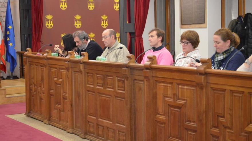 """El PP de Benavente critica que PSOE e IU """"dan la espalda al municipalismo"""""""