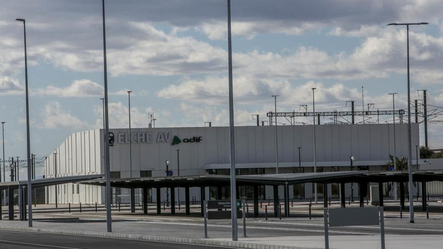 Renfe arranca el lunes el AVE directo entre Madrid, Elche y Orihuela con cuatro servicios diarios, dos directos