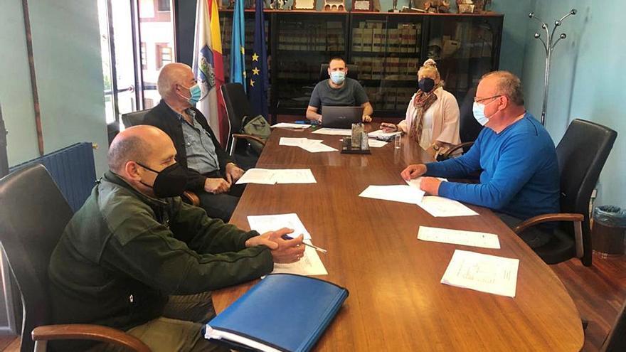 Onís reparte los pastos de sus montes públicos entre 57 ganaderos del concejo