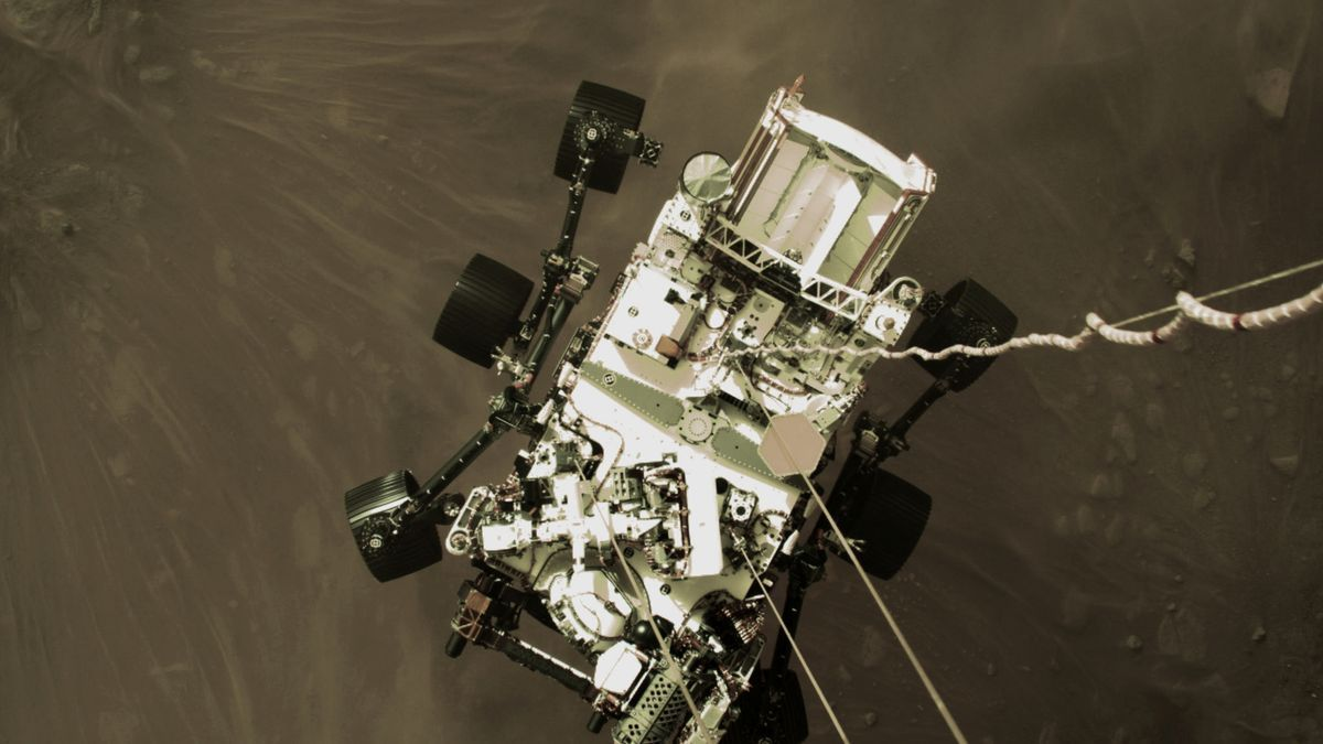 An image of the rover descending.