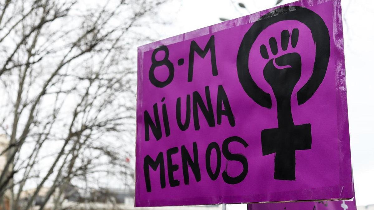 Córdoba vestirá sus balcones de morado el 8M bajo el lema 'Vacúnate contra el machismo'