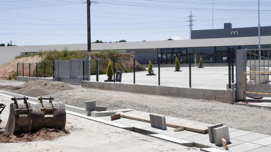 El crematori de Manresa ja està enllestit i en espera que finalitzin les obres de l'entorn
