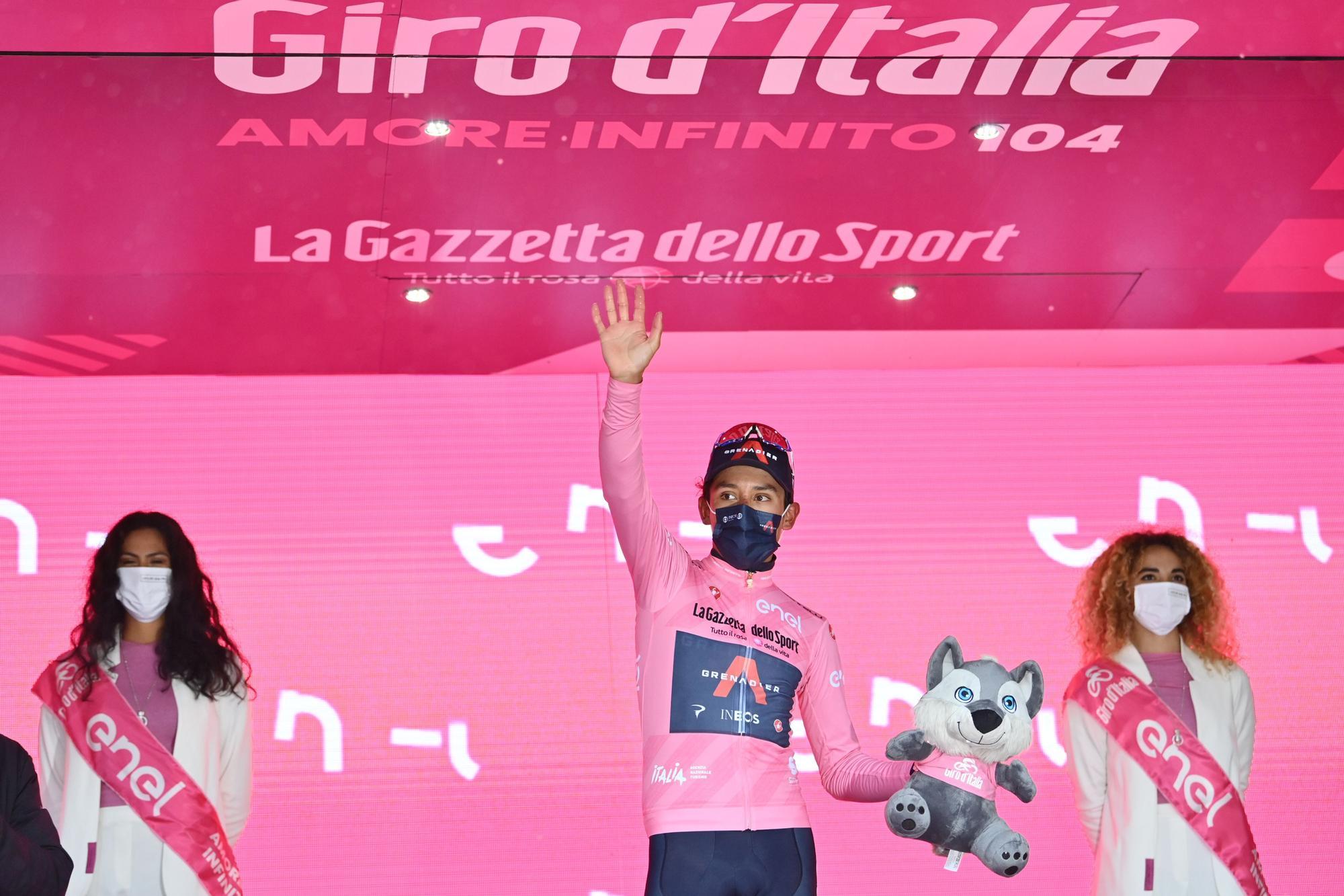 Cycling Giro d'Itali (110870589).jpg