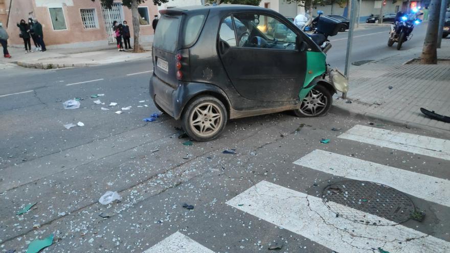 Le salvan la vida tras sufrir un infarto mientras conducía por Cartagena