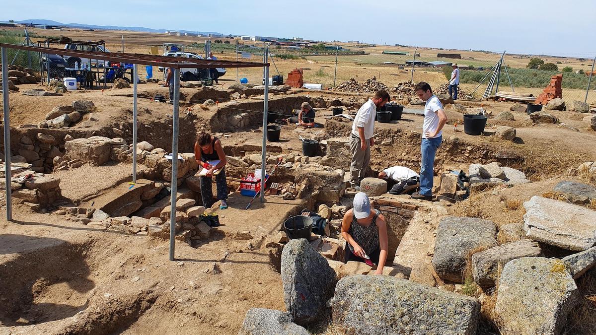 El alcalde de Añora ha anunciado que habrá nuevas excavaciones.