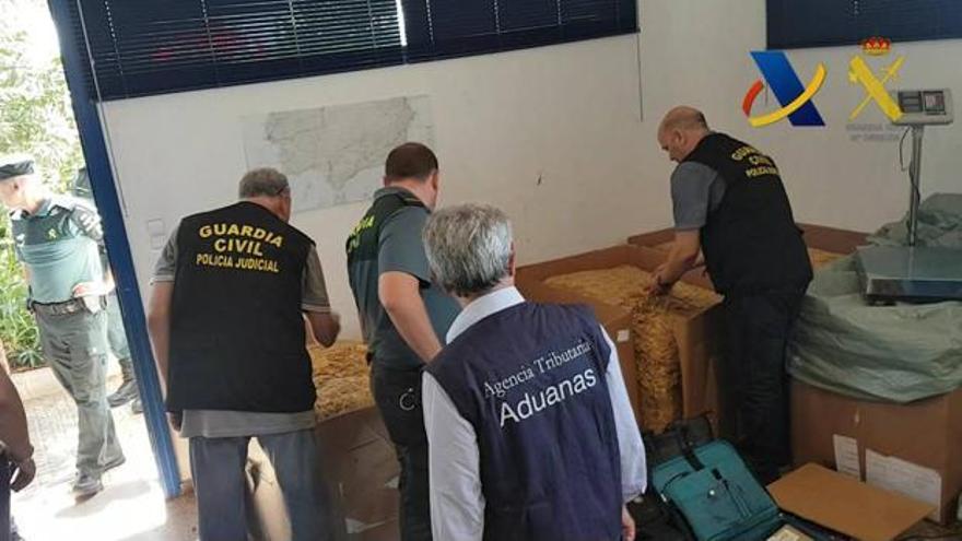 Absueltos de contrabando los responsables de una empresa de tabacos de Oliva