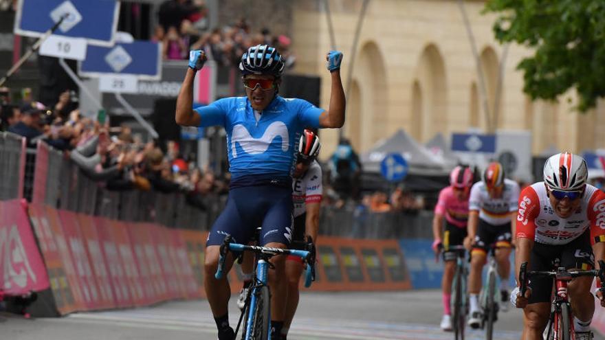 Richard Carapaz no correrá en la Vuelta y será sustituido por José Joaquín Rojas