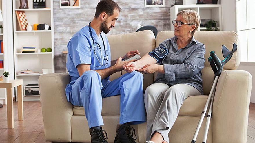 Contractar una assegurança de dependència té avantatges