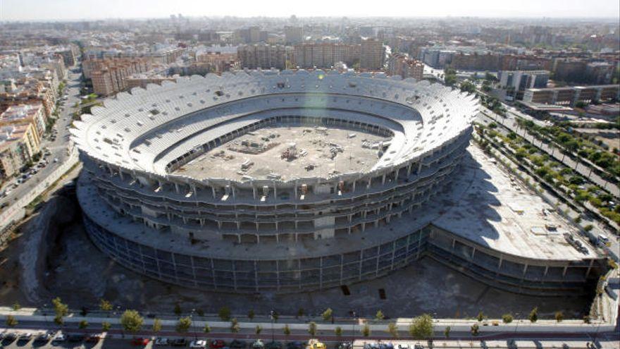 """València exige a Meriton """"garantía económica"""" para acabar el estadio"""
