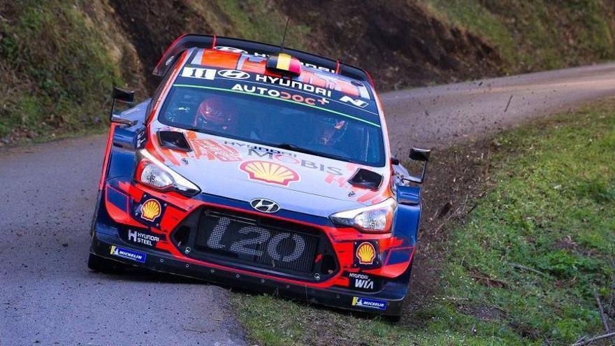 Neuville gana  en Córcega con el Hyundai i20C y se sitúa 1º del WRC