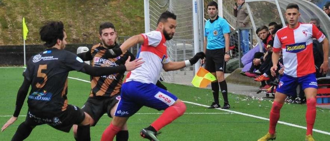 Pedro Beda es el máximo goleador del Arosa esta temporada. // Iñaki Abella
