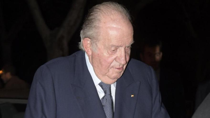 Cádiz retira el busto del rey Juan Carlos I de una avenida