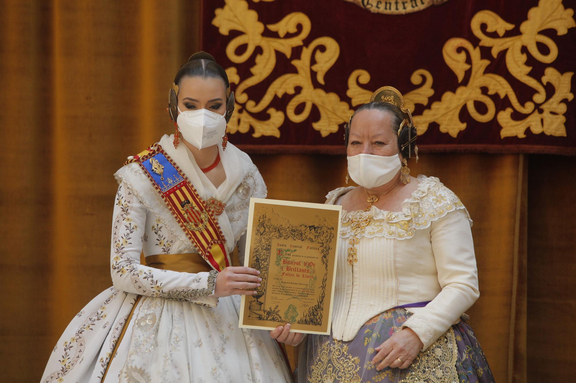 """Honores de """"brillants"""" para los falleros de Quatre Carreres"""