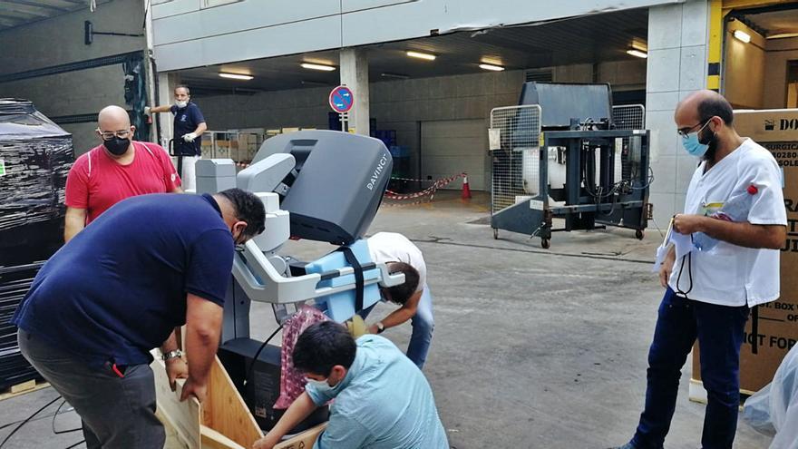 Reina Sofía y Arrixaca acogen ya los dos primeros robot Da Vinci