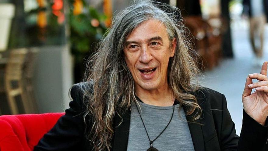 Gerard Quintana, premio Ramon Llull por una historia que arranca en una cala de Ibiza