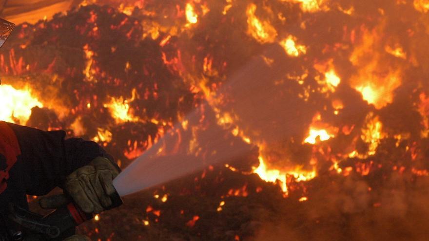 Seis meses de prisión para el operario de limpieza que causó el fuego en Valer