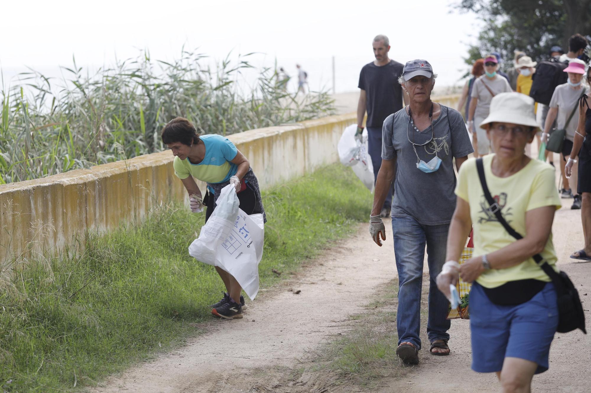 Un col·lectiu d'uns 50 estrangers dona suport a SOS Costa Brava