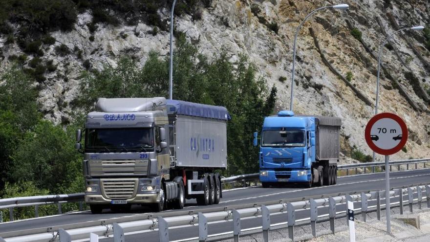 Los camioneros recriminan a la concesionaria del Huerna el cierre de los restaurantes