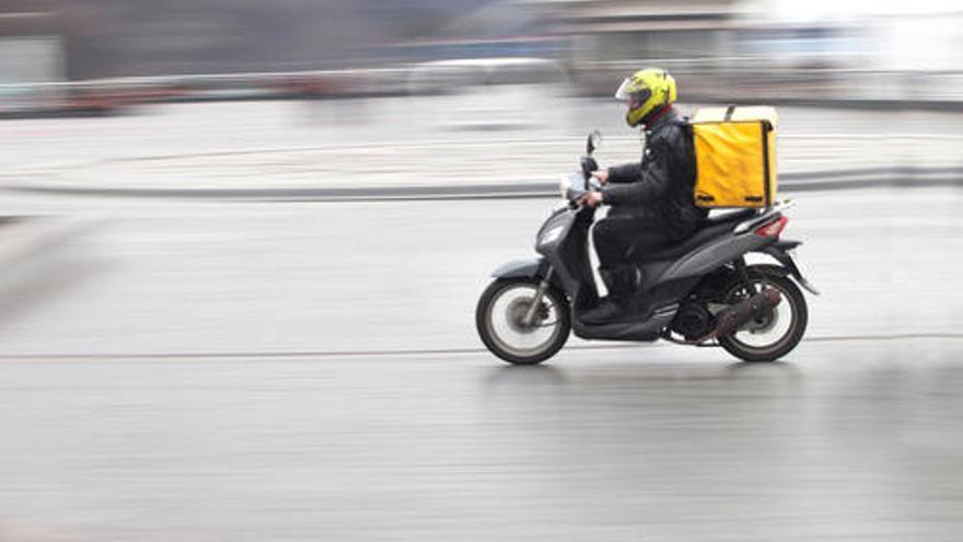 Unanimidad de Gobierno y agentes sociales para laboralizar a los 'riders'