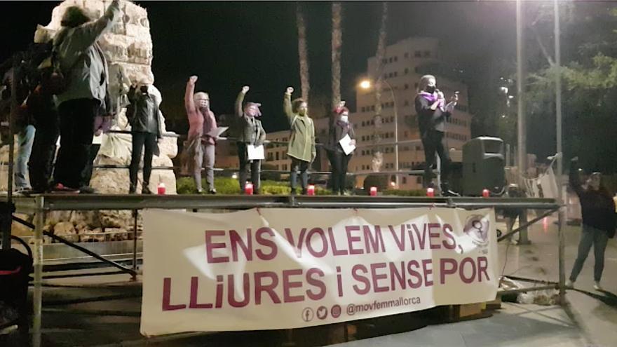 Lectura del manifiesto contra la violencia machista en Palma