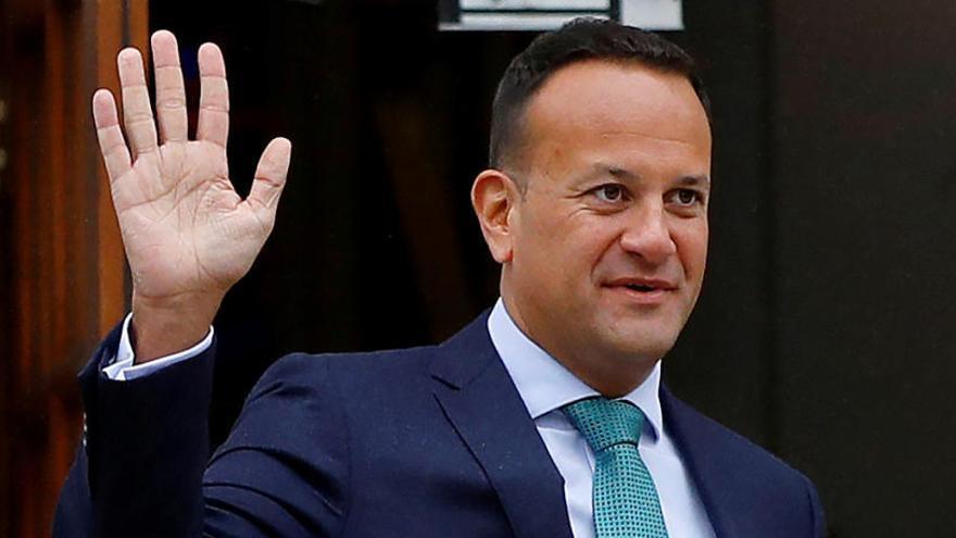 Dimite el primer ministro irlandés ante el bloqueo para formar gobierno