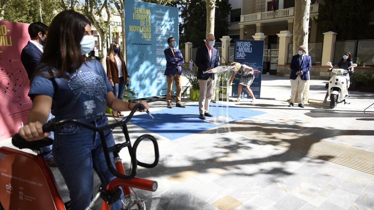 Presentación de la Semana Europea de la Movilidad en la avenida Alfonso X El Sabio de Murcia.