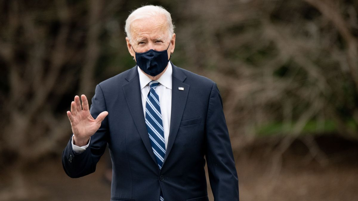 Biden descarta visitar por ahora la frontera con México pese a la crisis.