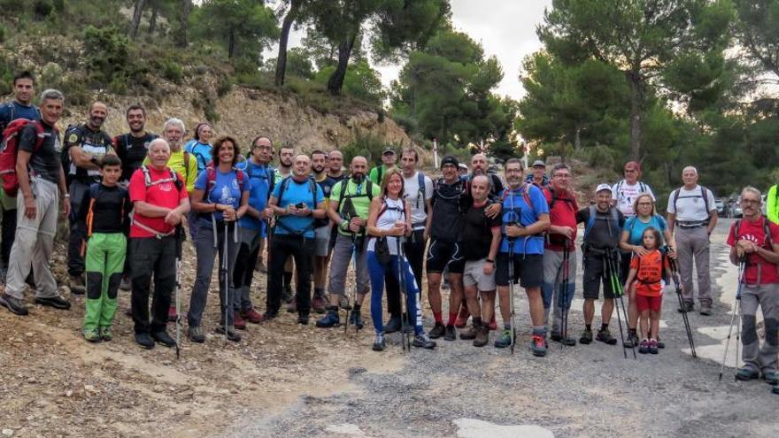 El montañismo ilicitano homenajea a Juan Montesinos