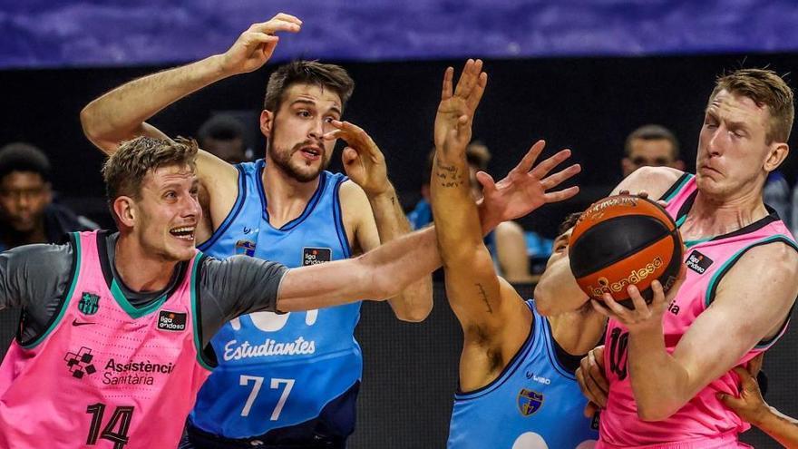El Barcelona asalta el WiZink y logra derrotar al Estudiantes