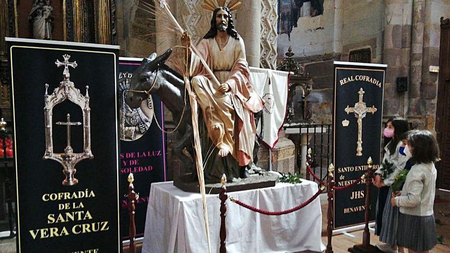 Aclamación de Ramos en la iglesia de Santa María de Benavente