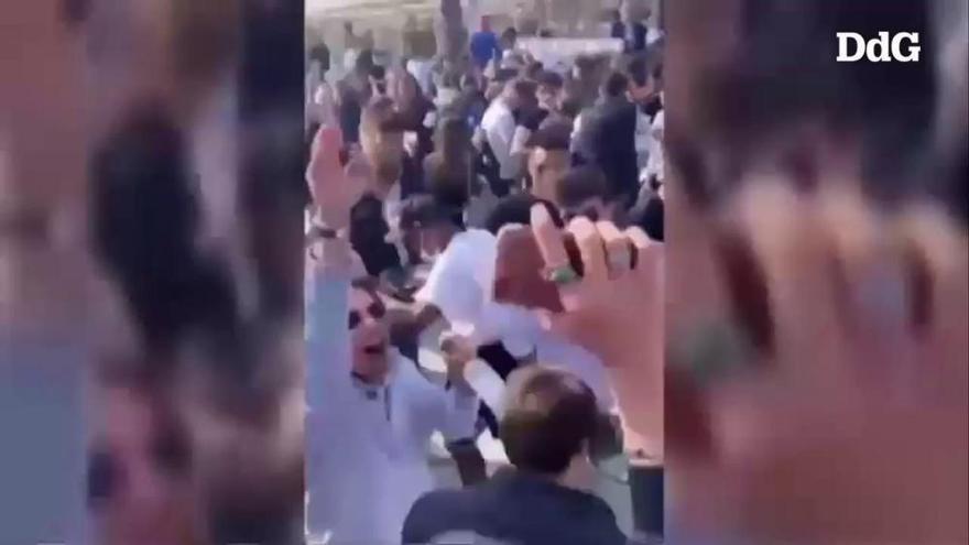La policia desmantella una festa il·legal amb 400 persones a Calella