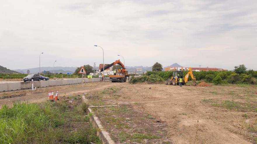 En marcha las obras de la nueva rotonda que unirá la N-332 con la AP7 en Oliva